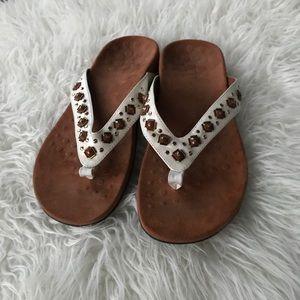 Vionic  thong sandals 9